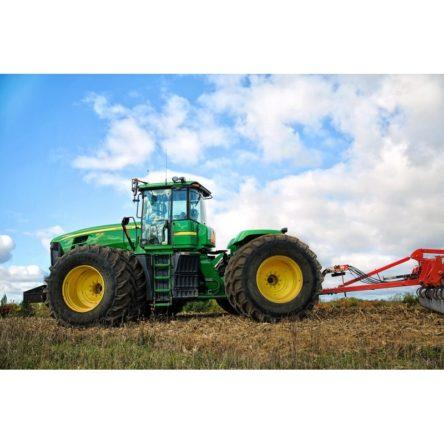 Addetto alla conduzione di trattori agricoli o forestali (per trattori a ruote)